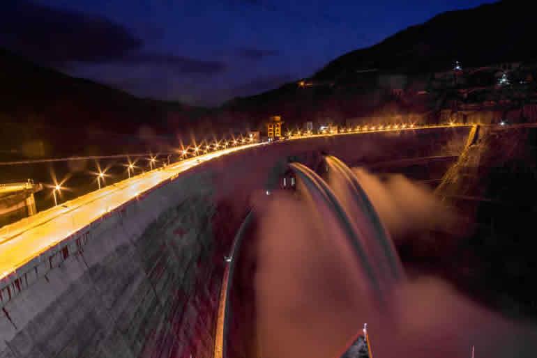 小湾电站夜景